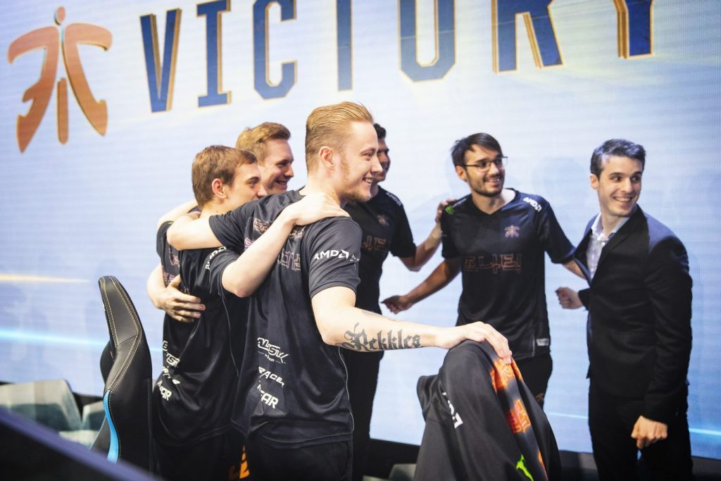 Fnatic no decepciona y destroza a Cloud 9