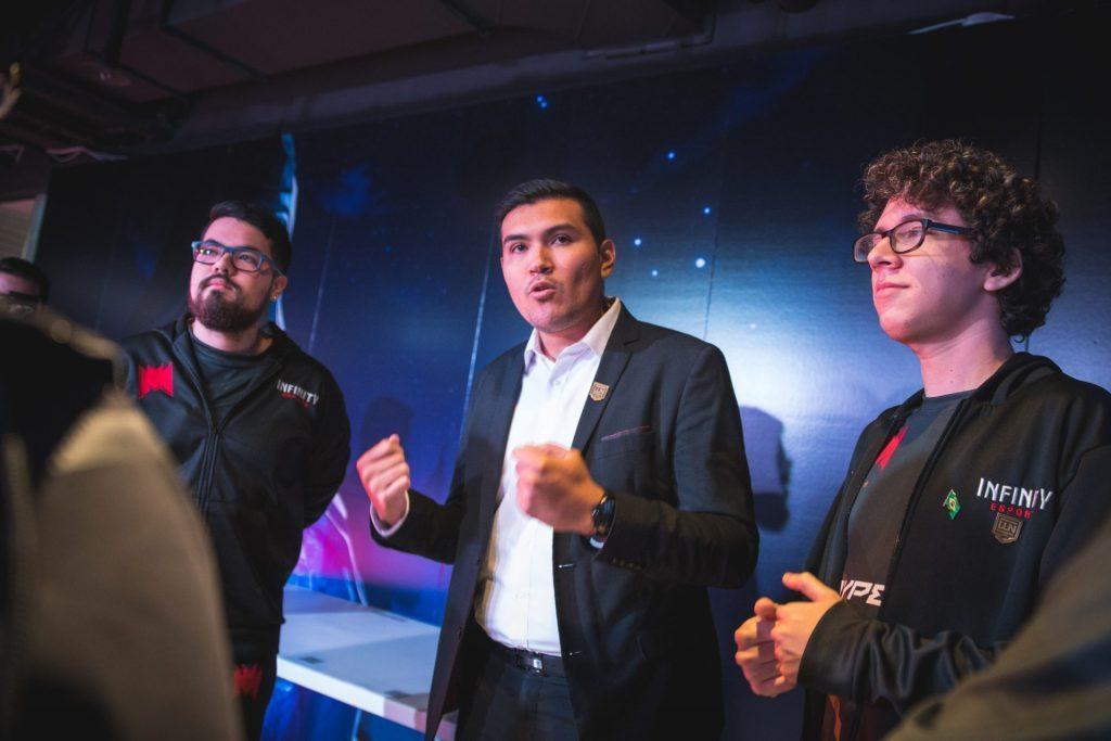 """Eduardo Salaña, analista de Infinity: """"Ojalá algún equipo de una región top apueste por el talento latinoamericano"""""""